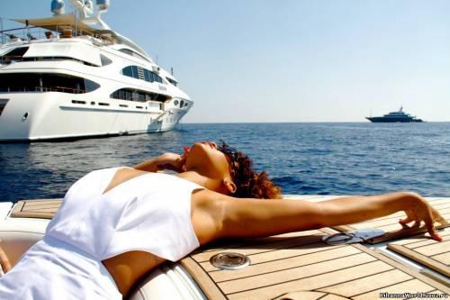 Rihanna отдыхает в Италии (август 2011)